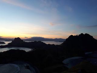 sunset di pulau padar