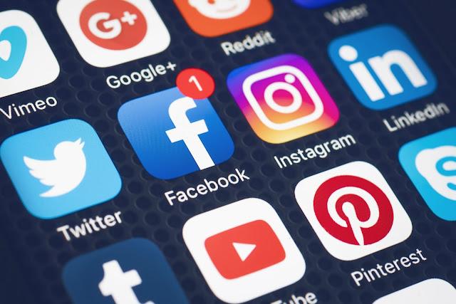 social media for music