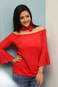 shriya sharma latest glam pics-thumbnail-18