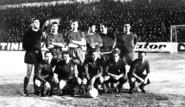 REAL MADRID C. F. Temporada 1966-67. Betancort, Calpe, De Felipe, Sanchís, Félix Ruiz, Pirri. Veloso, Amancio, Grosso, Velázquez y Gento. VALENCIA C. F. 0 REAL MADRID C. F. 0. 01/04/1967. Campeonato de Liga de 1ª División, jornada 27. Valencia, estadio de Mestalla.