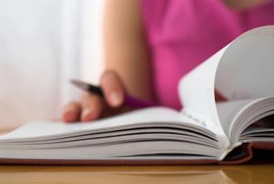 Jenis-Jenis Teks Ulasan Berdasarkan Isi | Bahasa Indonesia Kelas 8 Semester 2 Revisi
