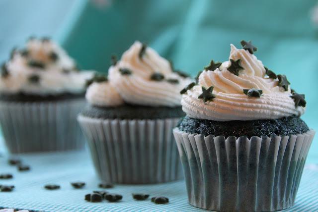 green-velvet-cupcakes, cupcakes-green-velvet