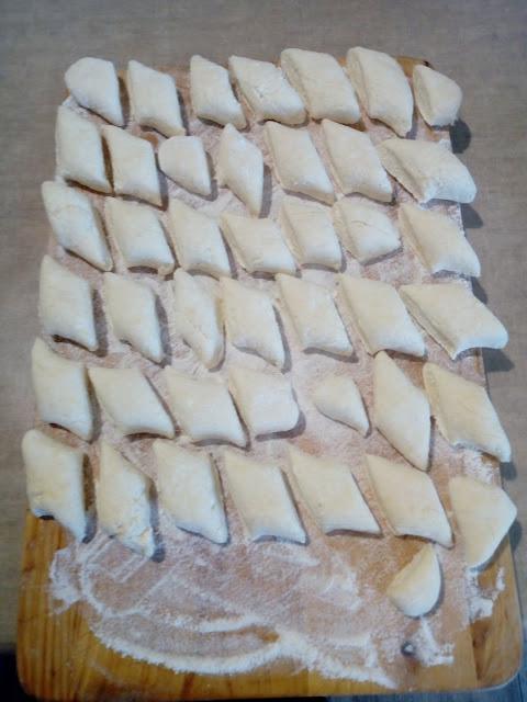 Kluski z bialego sera leniwe kluseczki kopytka z bialego sera kluseczki na slodko kluski dla dzieci obiad na slodko