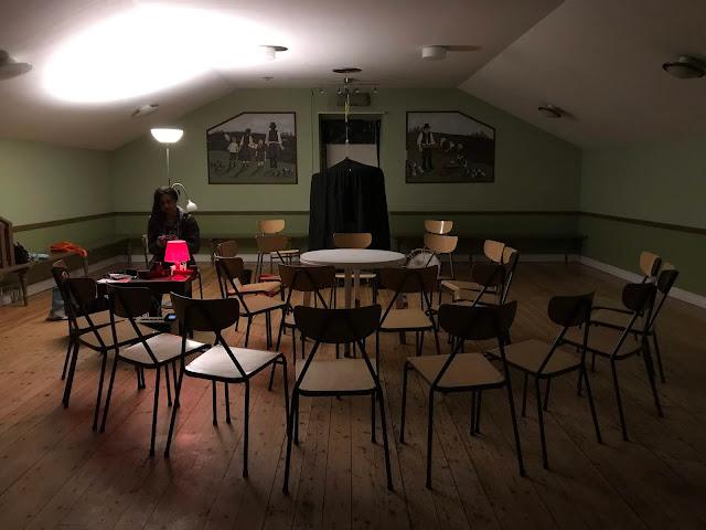 Felix Circle Table Séance