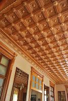 detalle techo de madera del Casino modernista de Novelda