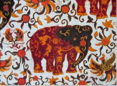 Kain tenun motif binatang