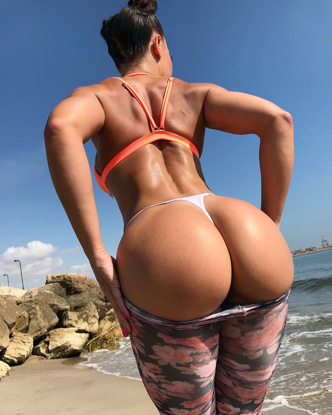 Big round bubble butt squat challenge workout