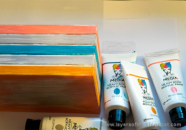 Layers of ink - Photo Storage Box Tutorial by Anna-Karin Evaldsson with Eileen Hull Sizzix Book Club dies