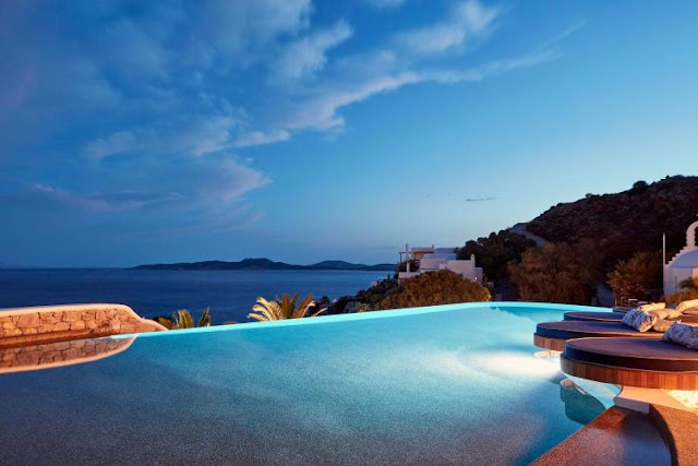 Katikies Mykonos Is an Elegant Summer Haven