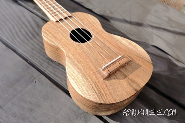Brüko Walnut Soprano ukulele body