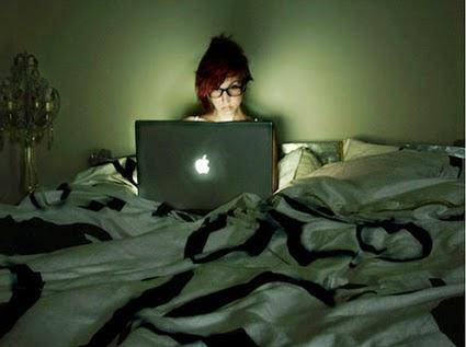 hati dengan kebiasaan tidur terlalu malam akhir kurang tidur | tidur kemalaman