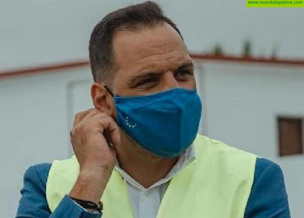 El alcalde de Breña Alta insta a las autoridades sanitarias a buscar una solución urgente para Darío, el niño con el síndrome de Duchenne