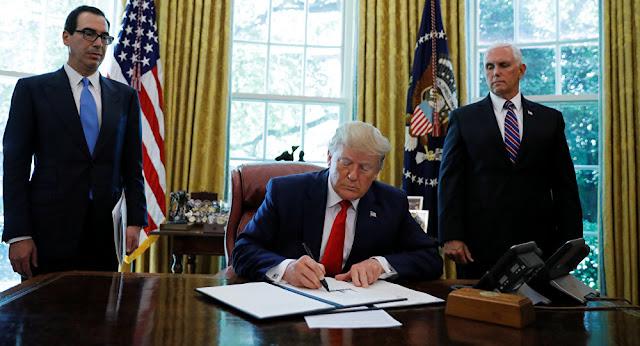 بينها بلد عربي... ترامب يخطط لحظر دخول مواطني 7 دول إلى أمريكا