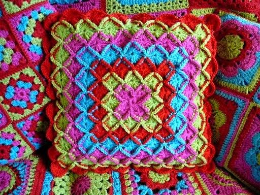 Lindevrouwsweb Wool Eater Pillow