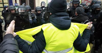 Paris se protege de um novo protesto dos coletes amarelos que somam 23 detentos antes de começar