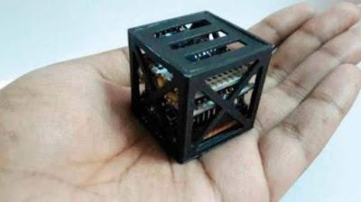 Un adolescent construeix el satèl·lit funcional més petit del món, pesa només 64 grams