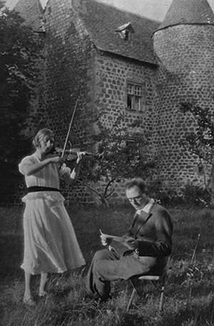 Claire Delbos and Olivier Messiaen in 1933