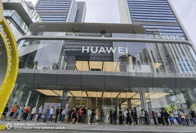"""""""It's really difficult to get it!"""" – HUAWEI Mate40 Series sells out like """"pisang goreng"""" upon sales launch in China"""