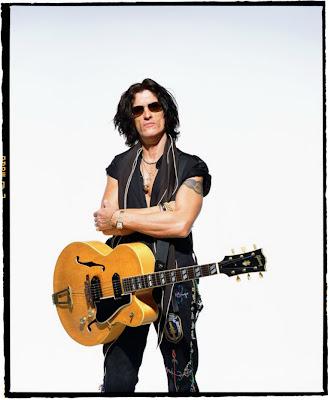 Dagensinn Gibson Legendary Guitar In The Hands Of
