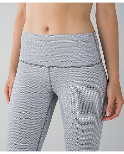 lululemon-herringbone wunder-under-crop