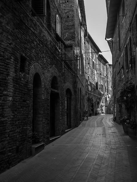 San Gimignano alley