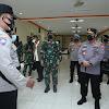 Disaksikan Panglima TNI, Kapolri Beri Tiket Sekolah Bhabinkamtibmas Susai Sidak PPKM Mikro di Kudus