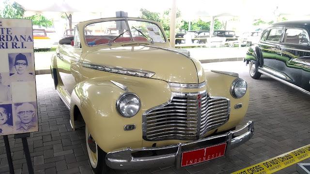 1941 Chevrolet Special Deluxe convertible
