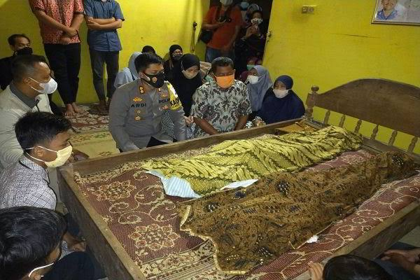 Innalillahi, 2 Putra Polisi Tewas Kesetrum Tiang Listrik di Sragen