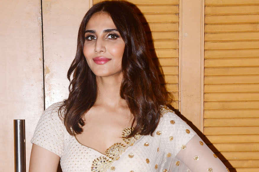 Vaani Kapoor at 7th National Jewellery Awards 2017 Gallery
