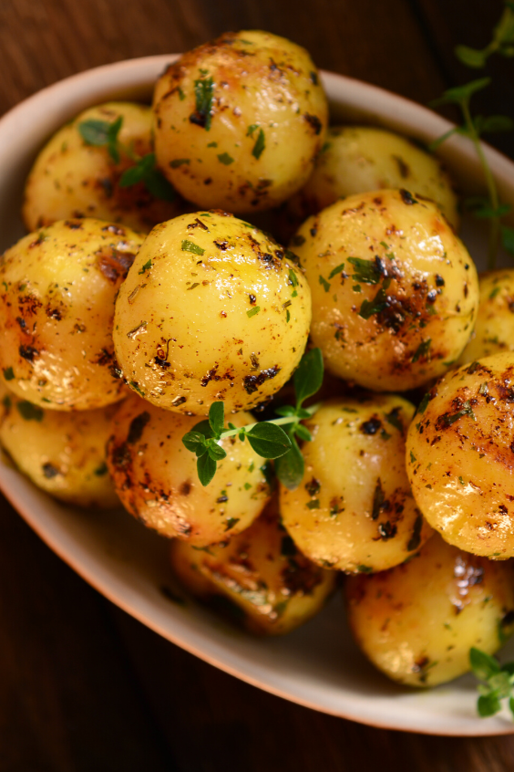 Roasted Garlic Parmesan Potatoes #food #Recipe - These epic roasted potatoes with garlic butter parmesan are perfect side for your meal! #food #recipes #vegetebles #foodrecipes