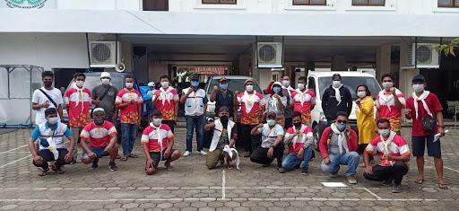 Para Pastor Katolik Dampingi Tim Relawan Caritas KWI Salurkan Sembako Gratis Kepada Warga Korban Gempa Bumi Mamuju