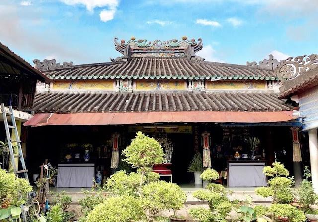 Bên trong chùa Phước Hưng Sa Đéc