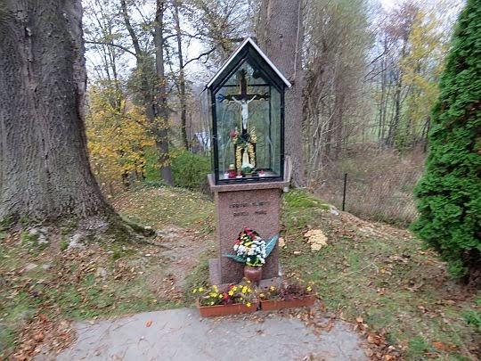 Kapliczka przy Źródle Pociesznej Wody.