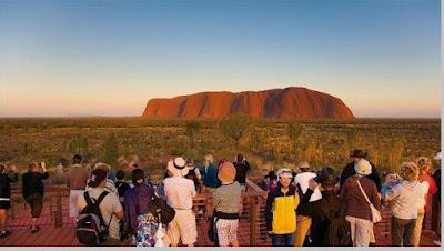 Pariwisata Uluru (Ayers Rock)