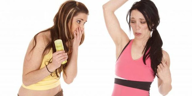 6 Cara Menghilangkan Bau Ketiak yang Cepat dan Ampuh
