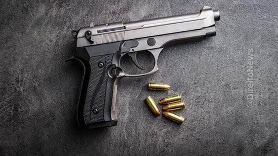 flagrante arma rua justifica invasao domicilio