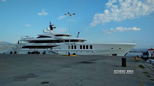 Στο Ναύπλιο το mega yacht SPECTRE που κόβει την ανάσα από την πολυτέλεια (φώτο - βίντεο από το εσωτερικό)