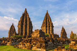 Menyambangi Candi Prambanan Yogyakarta Bersama Keluarga