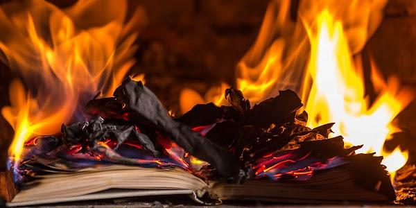 ¿Por que la novela Fahrenheit 451, es aterradora?
