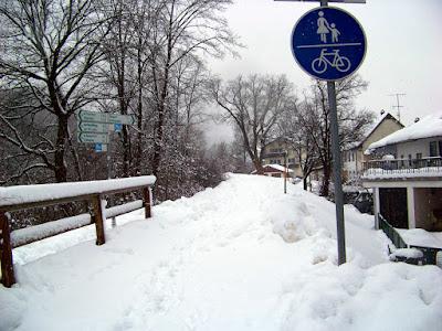 6. Januar 2019, Traunweg an der Heilig-Geist-Brücke. In diesem Bereich wurde wochenlang keine Schneeräumung durchgeführt.