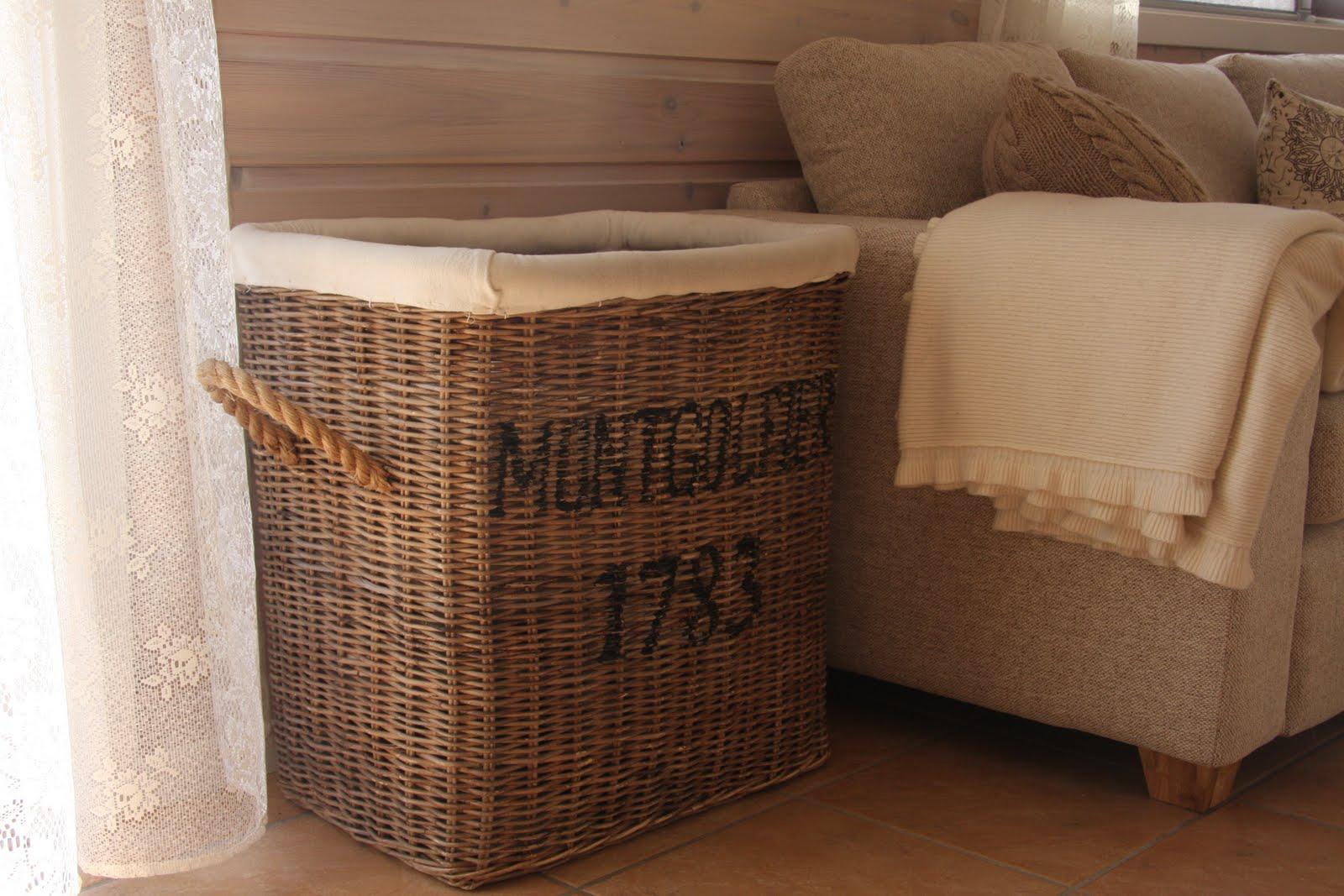 gelleins galleri april 2011. Black Bedroom Furniture Sets. Home Design Ideas