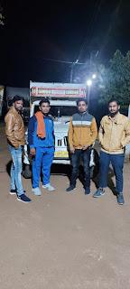 राष्ट्रीय हिंदू सेना ने गौवंश से भरी पिकअप पकड़ी