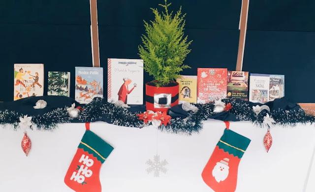 Enfeites de Natal com livros