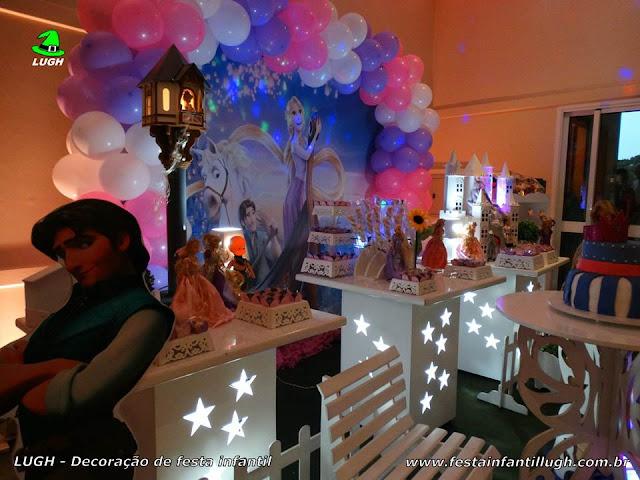 Decoração temática Os Enrolados - Rapunzel - Mesa decorativa provençal para festa de aniversário infantil de meninas