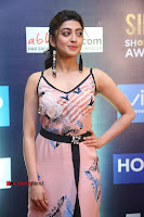 Actress Pranitha Subhash Pos in Short Dress at SIIMA Short Film Awards 2017 .COM 0073.JPG