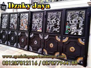 Pintu gerbang tempa / pagar klasik model lipat cocok untuk rumah mewah