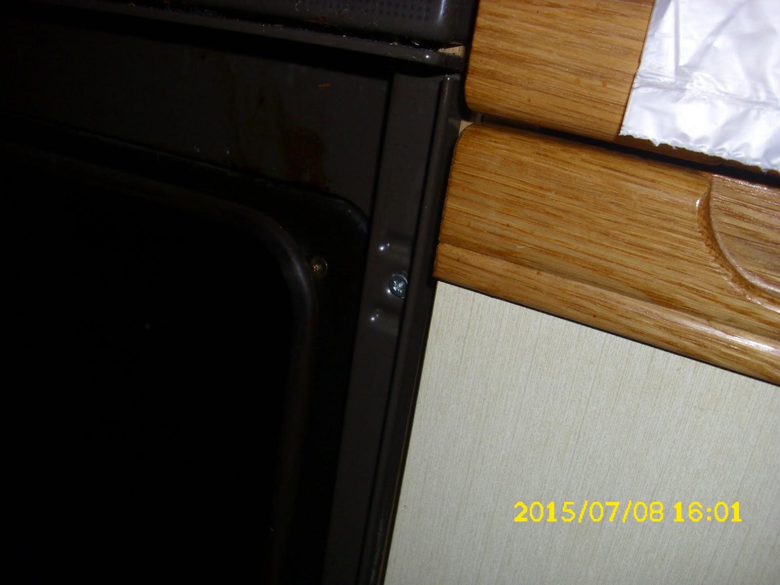 ceranfeld austauschen ceranfeld wird gereinigt wird ausgebaut glhende heizspirale eines. Black Bedroom Furniture Sets. Home Design Ideas