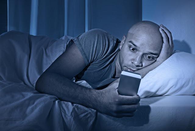هاتفك قبل النوم