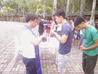 Thời cuối: Tập Thể Dục Phạm Thánh Trên Bàn Thờ