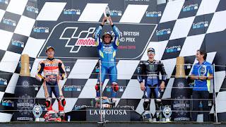 MOTO GP - Alex Rins vence en la recta de meta de Silverstone y lidera un triplete español